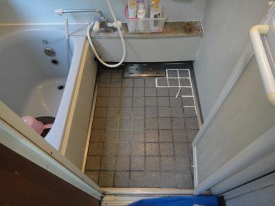 浴室(お風呂)床面バスナフローレ 施工前